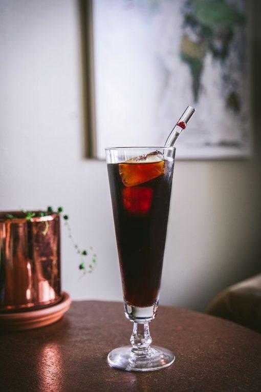 Glass straw with glass mushroom accent, curved straw